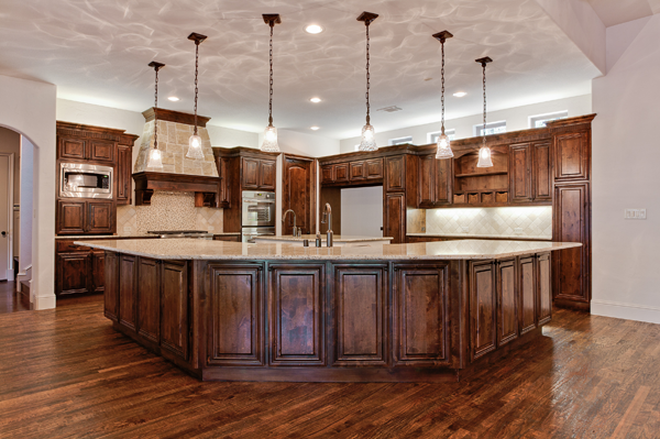 Building a custom home in dallas kitchen lighting tips for Custom home building tips
