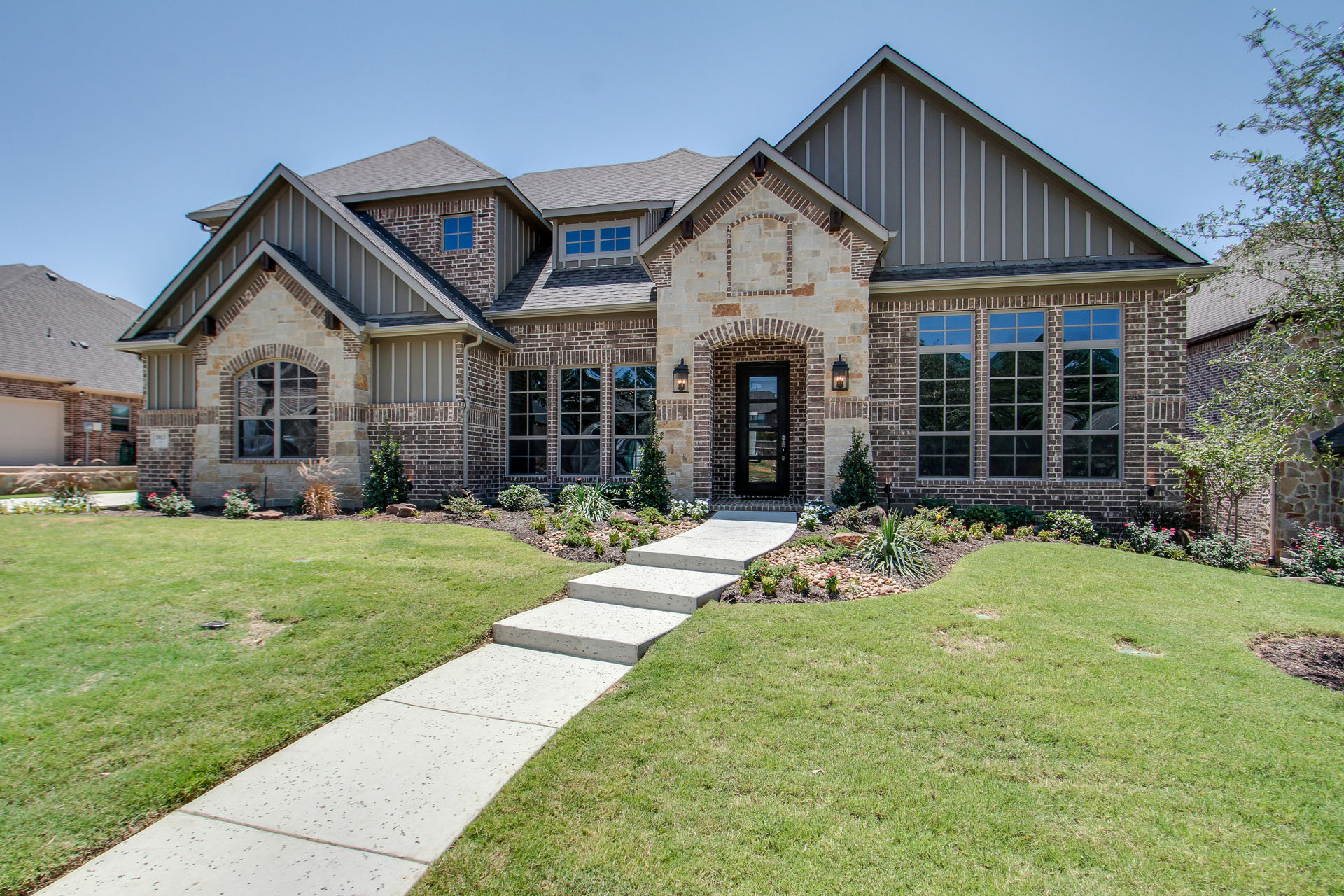 Building a luxury custom home choose the best front door for Custom texas homes