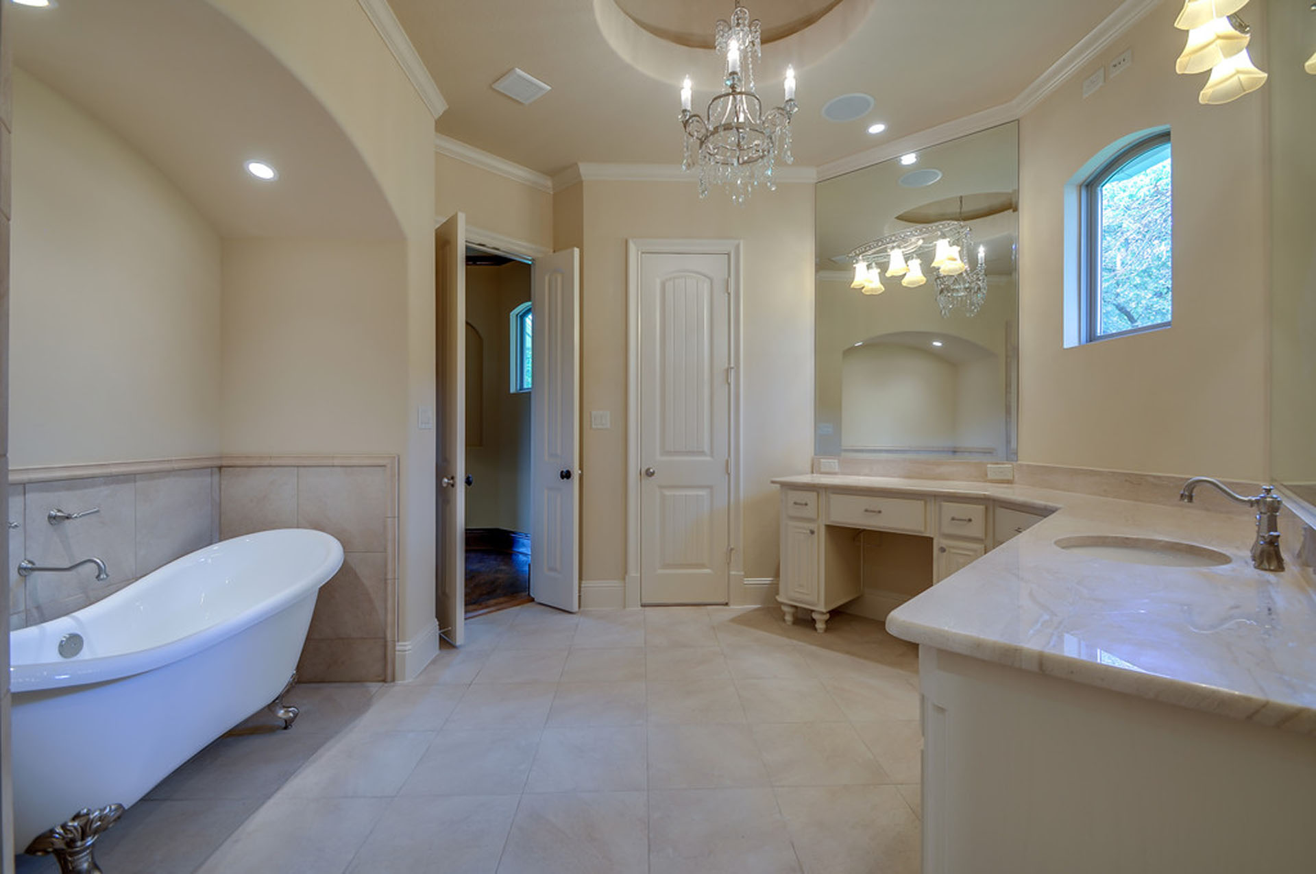 North Texas Custom Homes - Master Bath Lighting Tips