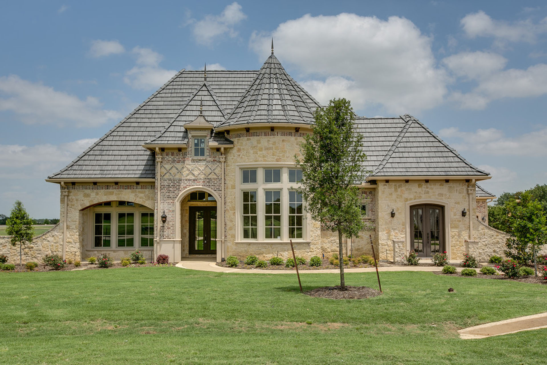 Vital factors when building a custom flower mound home for Build a house in texas
