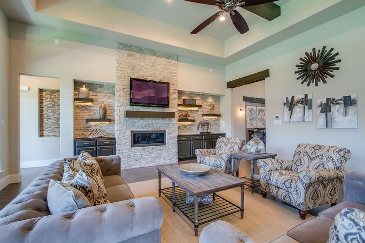 Building a custom home in dallas family room tips for Custom home building tips